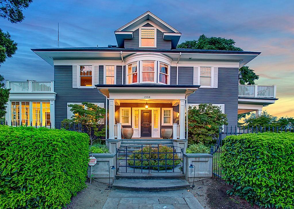 1230 warren ave n seattle wa 98109 mls 603989 redfin for Home builders in seattle wa