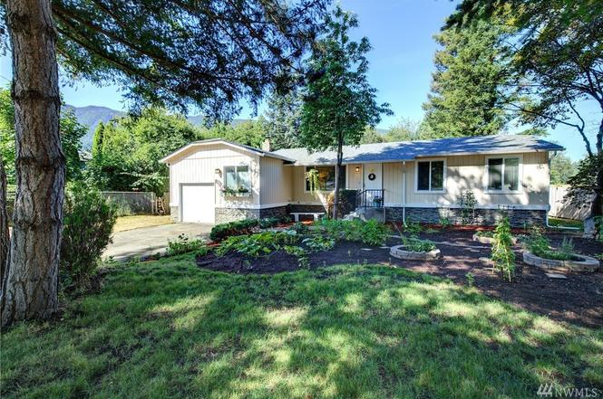 12215 413th Ave SE, North Bend, WA 98045