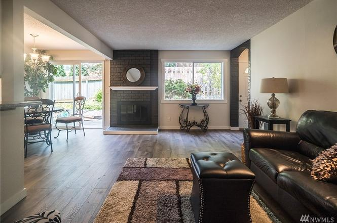 Charmant 411 213th Place SW Unit 12C, Bothell, WA 98021
