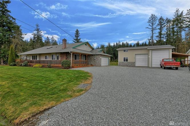 1620 Country Club Dr, Camano Island, WA 98282