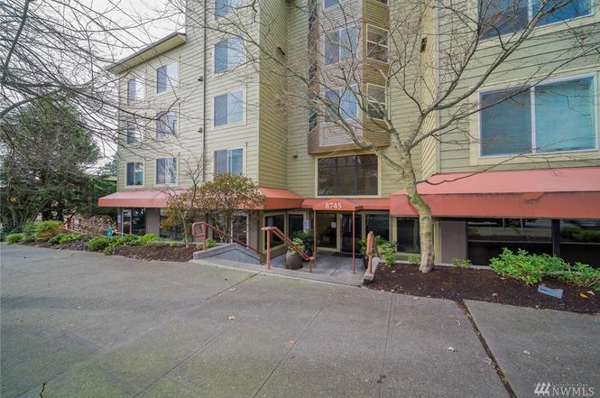 8745 Greenwood Ave N #201, Seattle, WA 98103