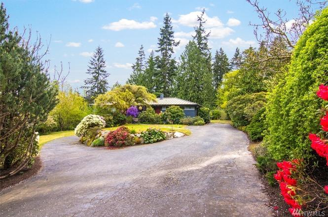 8317 NE Hidden Cove Rd, Bainbridge Island, WA 98110