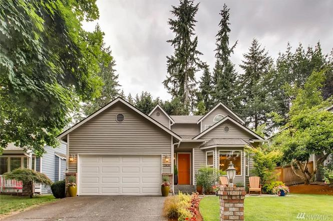 12828 NE 103rd Pl, Kirkland, WA 98033 - 3 beds/2.5 baths