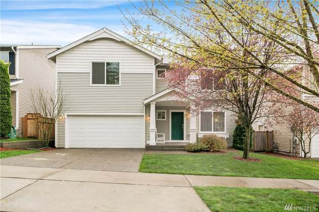 817 8th Ave SW, Tumwater, WA 98512 - 4 beds/3 baths