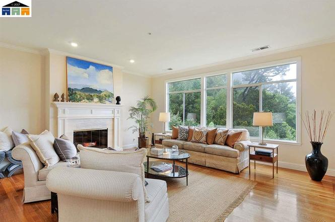 708 Grizzly Terrace Dr, Oakland, CA 94611