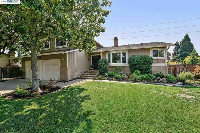 1679 SAINT HELENA Dr, Danville, CA 94526 | MLS# 40753783 | Redfin