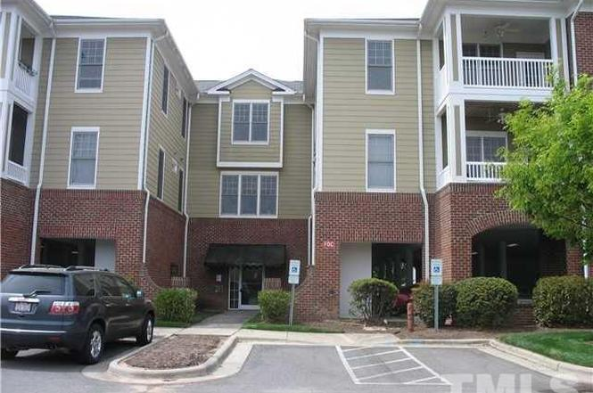 318 Waterford Lake Dr #318, Cary, NC 27519 | MLS# 2043399 | Redfin