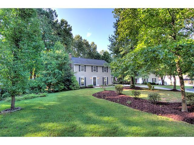 9508 Kent Village Dr, Charlotte, NC 28269 - 3 beds/2 5 baths