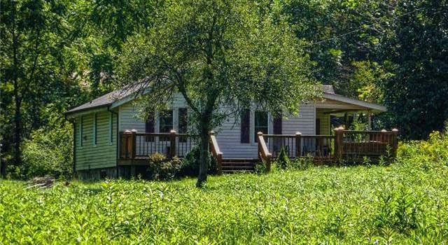 2412 Stackhouse Rd, Marshall, NC 28753 - 4 beds/2 baths