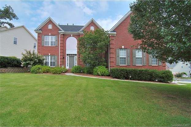 221 Choate Ave, Fort Mill, SC 29708 - 5 beds/3 baths