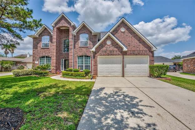 17323 Holsberry Ct, Tomball, TX 77377