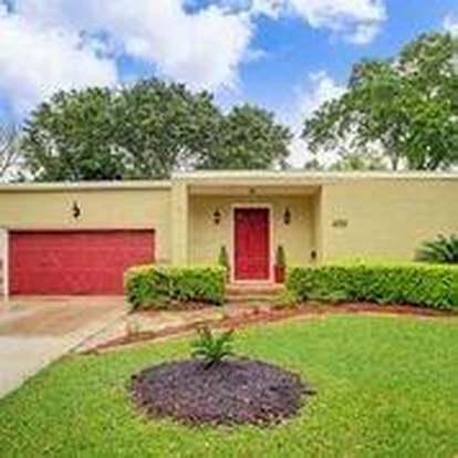 4010 Silverwood Dr, Houston, TX 77025 - 2 beds/2 baths