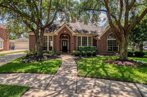 Swell 1901 Lauren Lake Dr League City Tx 77573 4 Beds 2 Baths Interior Design Ideas Inamawefileorg