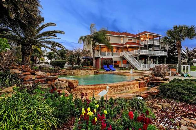3510 Windlass Ct, Galveston, TX 77554 - 4 beds/5 5 baths