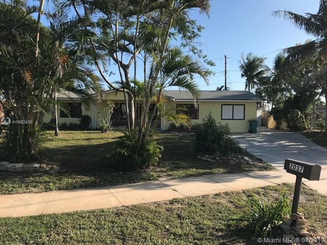 Peachy 2037 6Th Ct Lake Worth Fl 33461 4 Beds 2 Baths Home Interior And Landscaping Palasignezvosmurscom