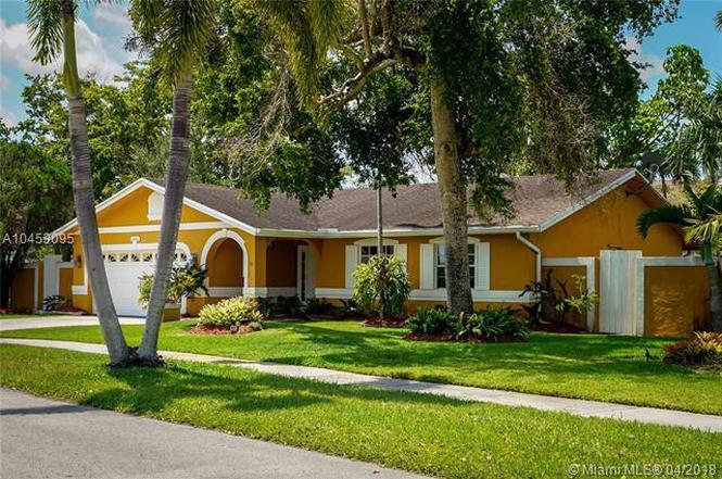 10636 SW 127th Pl, Miami, FL 33186