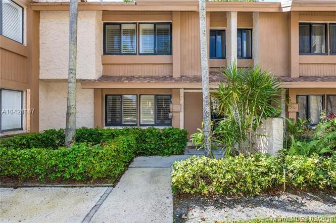 233 Wimbledon Lake Dr #233, Plantation, FL 33324 | MLS# A10424187 ...