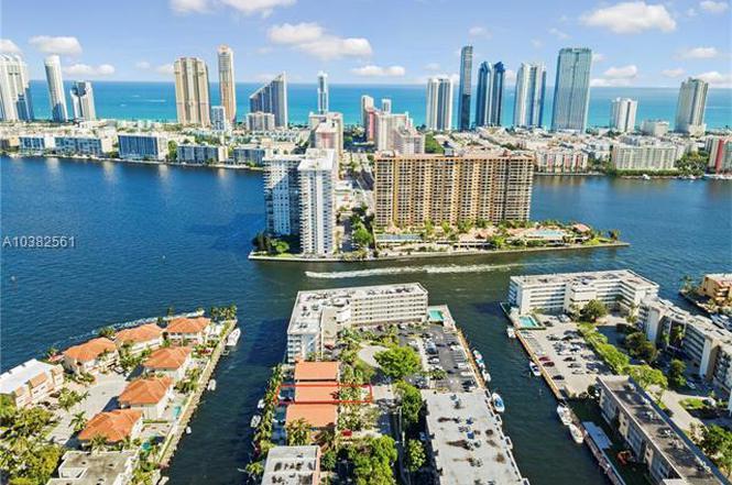 3905 Ne 170th St North Miami Beach Fl 33160 Mls A10382561 Redfin