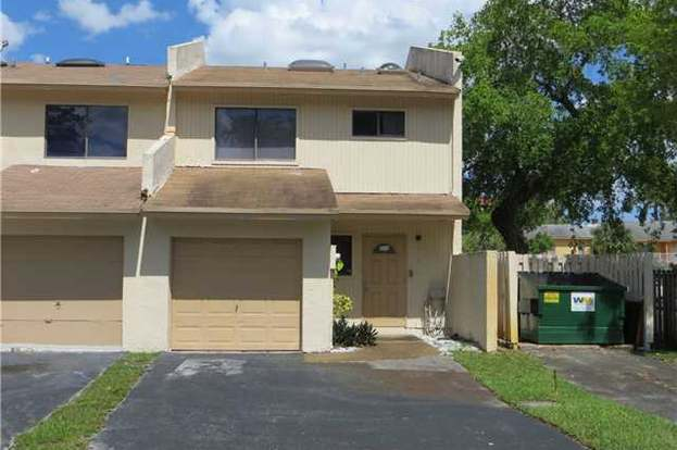 4195 NW 76th Ave #4195, Davie, FL 33024 - 2 beds/2 5 baths