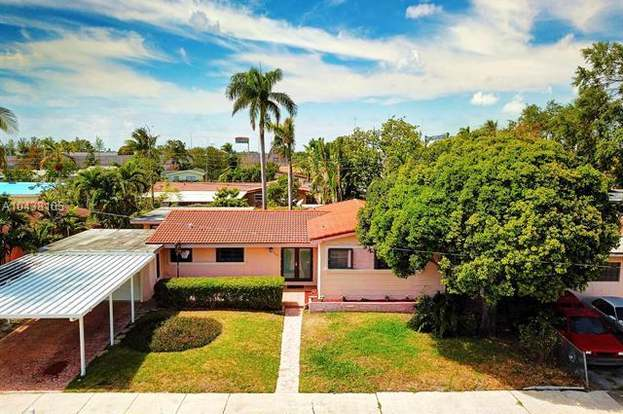 565 NE 179th Dr, North Miami Beach, FL 33162 - 3 beds/2 baths