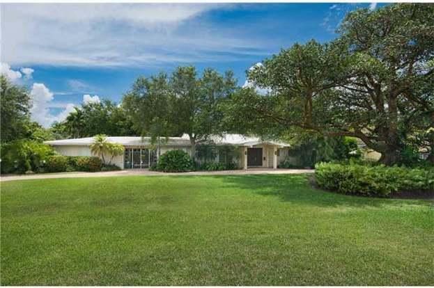 7707 Ponce De Leon Rd, Miami, FL 33143 | MLS# A1932422 | Redfin