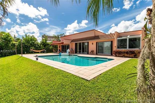 9621 NW 14th St, Plantation, FL 33322 - 4 beds/3 baths