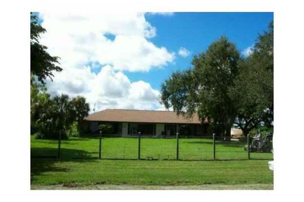 19090 SW 240 St, Homestead, FL 33031 - 3 beds/2 baths