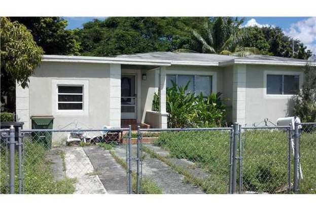 Admirable 1085 Nw 133 St North Miami Fl 33168 3 Beds 2 Baths Home Interior And Landscaping Oversignezvosmurscom