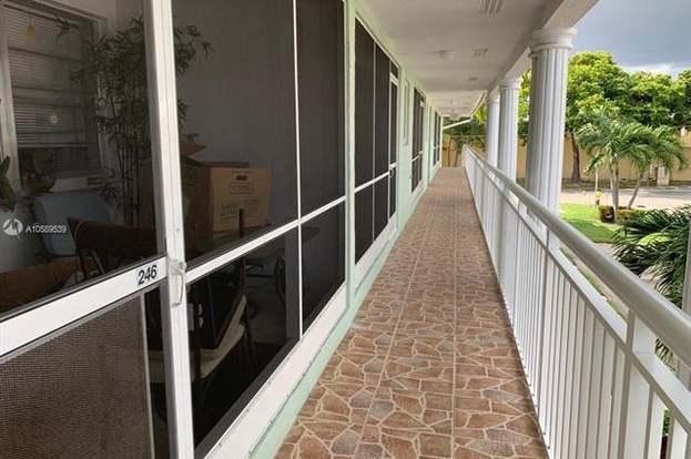 2100 NE 38th St #246, Lighthouse Point, FL 33064 - 1 bed/1 5 baths