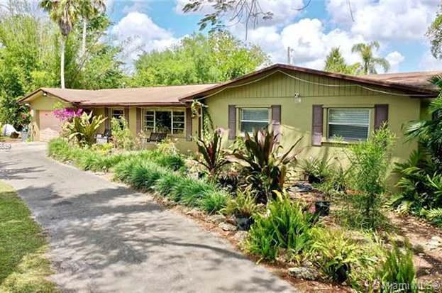 22700 SW 199th Ave, Miami, FL 33170 - 3 beds/2 baths
