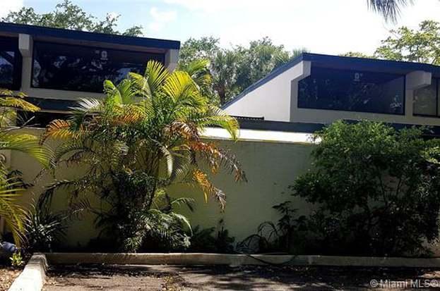 6438 Sawmill Ln, Miami Lakes, FL 33014 - 2 beds/2 baths