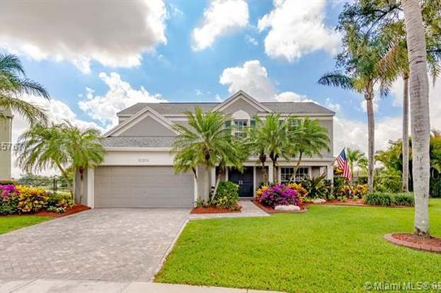 10306 Grove St, Cooper City, FL 33328 - 4 beds/2 5 baths