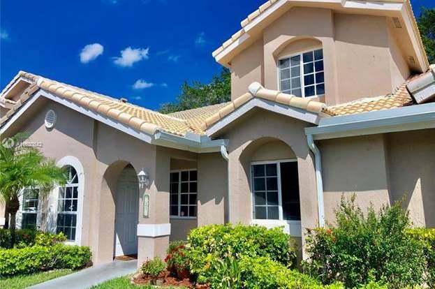 3165 Holiday Springs Blvd 21 Margate