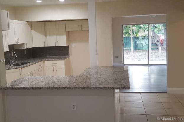 411 Nw 13th Ave Fort Lauderdale Fl 33311 Mls A10679905 Redfin