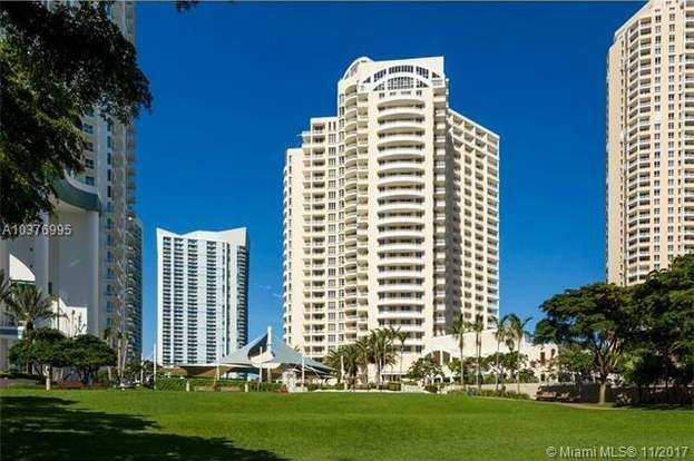 888 Brickell Key Dr #808, Miami, FL 33131