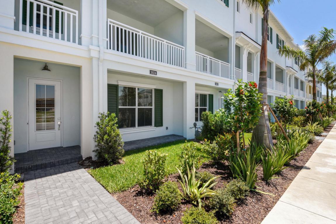 3024 Franklin Pl, Palm Beach Gardens, FL 33418 | MLS# RX-10431055 ...