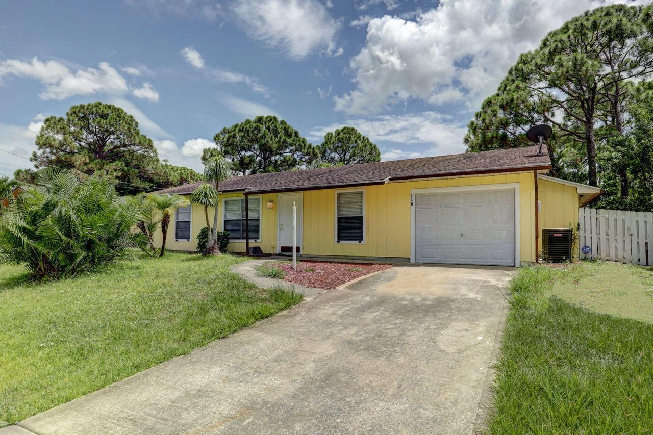Port Saint Lucie Christmas House 2020 118 SW Christmas Ter, Port Saint Lucie, FL 34984   MLS# RX