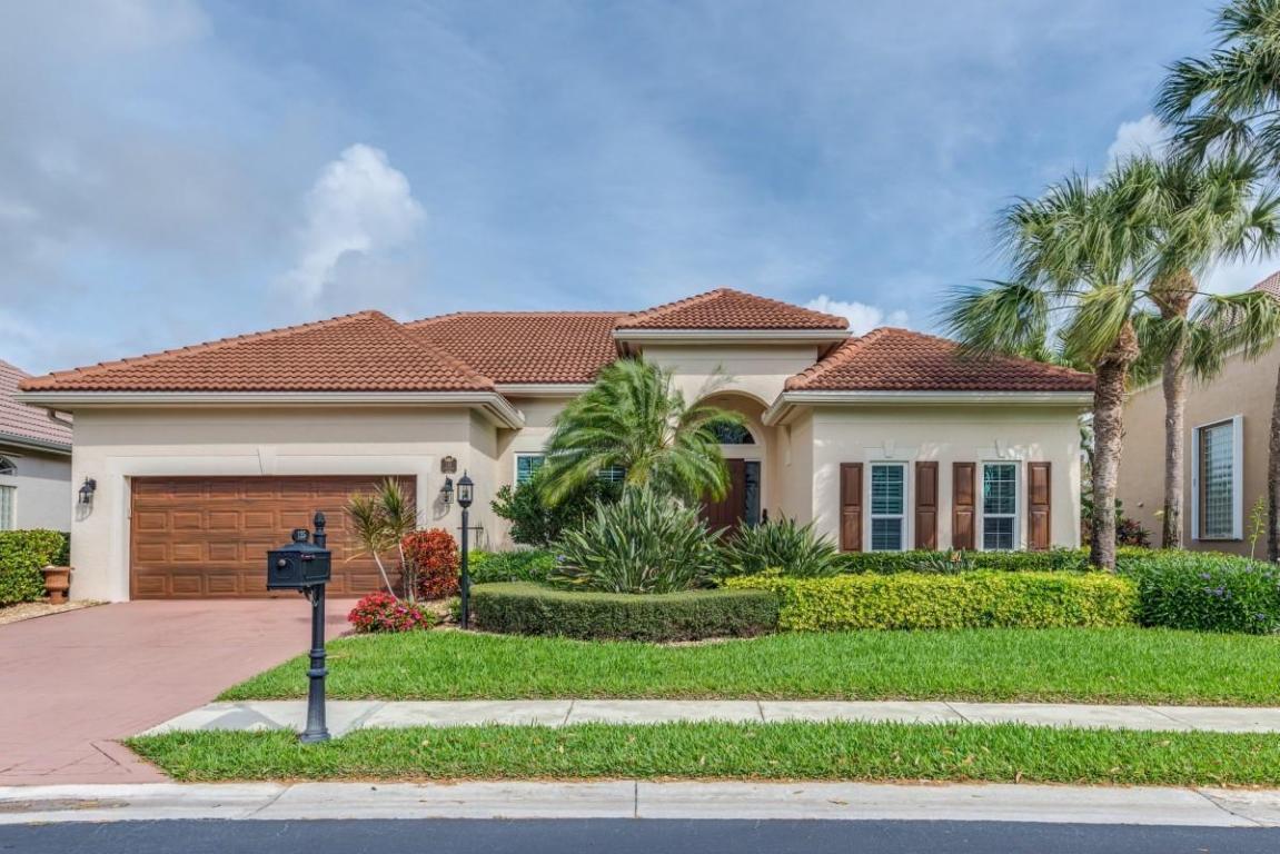 135 Satinwood Ln, Palm Beach Gardens, FL 33410 | MLS# RX-10405458 ...