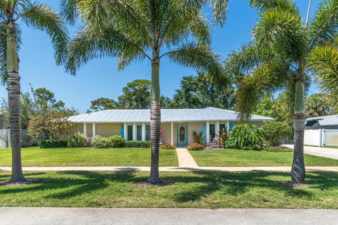 2423 Windsor Rd, Palm Beach Gardens, FL 33410 | MLS# RX-10429898 ...