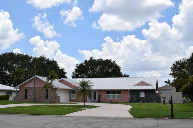 2950 SE Pine Valley St, Port Saint Lucie, FL 34952   MLS ...