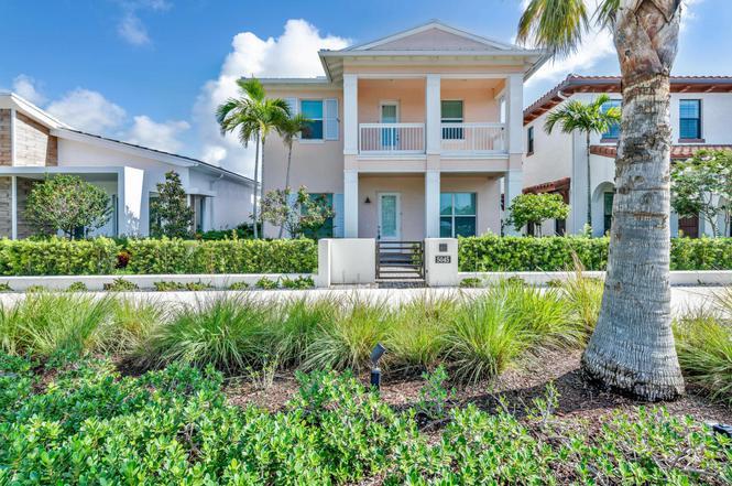 5045 Grandiflora Rd, Palm Beach Gardens, FL 33418 | MLS# RX-10419093 ...