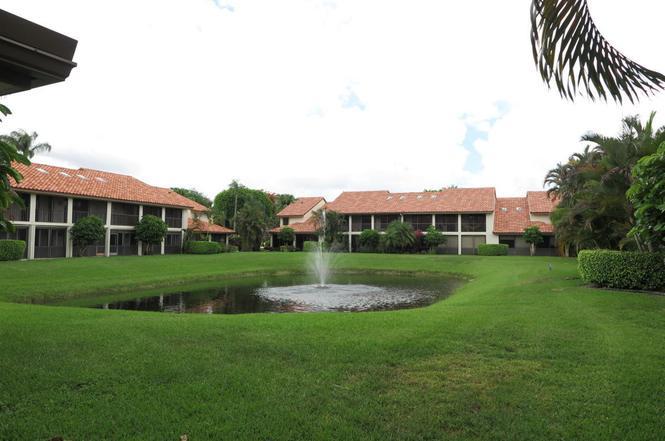 7875 La Mirada Dr, Boca Raton, FL 33433