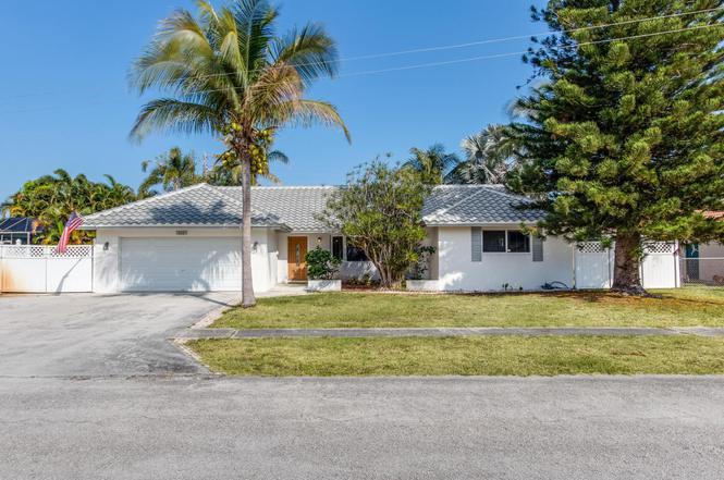 668 NW 16th Ct, Boca Raton, FL 33486