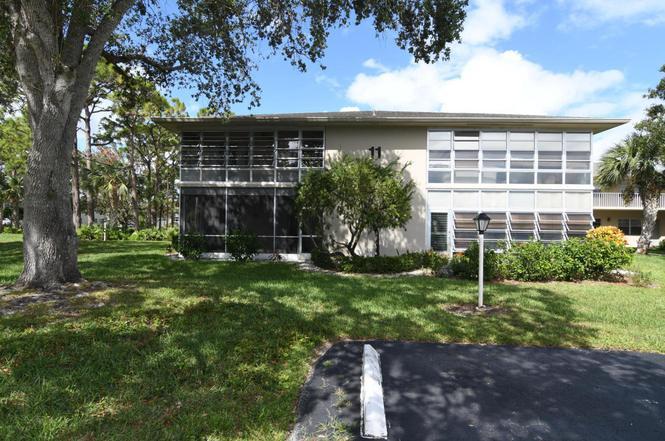11 Lake Vista Trl #207, Port Saint Lucie, FL 34952 - 2 beds/2 baths