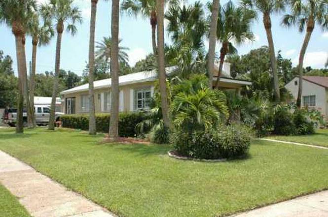 1102 S 8th St Fort Pierce FL 34950