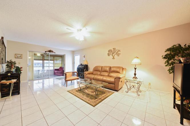 1215 S Drive Way Unit B, Delray Beach, FL 33445