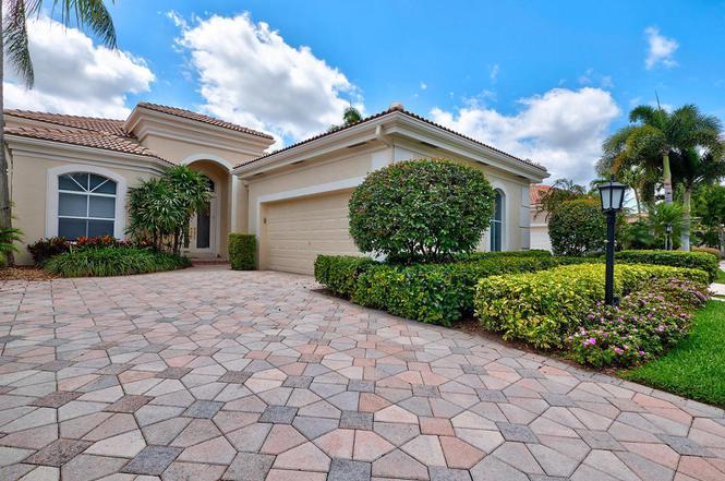 112 Isle Dr, Palm Beach Gardens, FL 33418