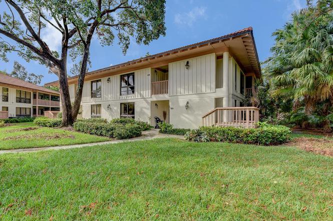 225 Brackenwood Ter, Palm Beach Gardens, FL 33418 | MLS# RX-10367646 ...