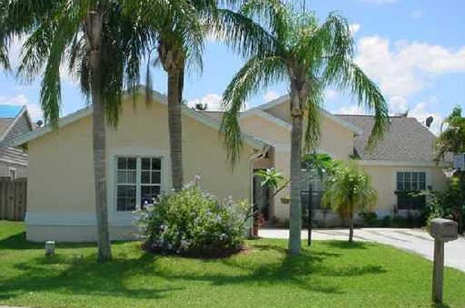 1651 Weather Vane Pl, Wellington, FL 33414 - 3 beds/2 baths
