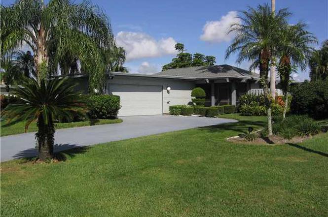 6689 Eastpointe Pines St, Palm Beach Gardens, FL 33418